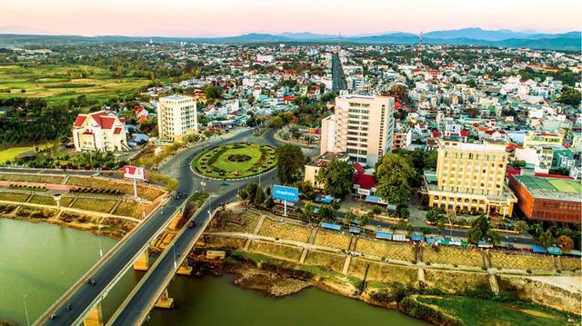 Những đổi thay của tỉnh Kon Tum sau 30 năm thành lập lại