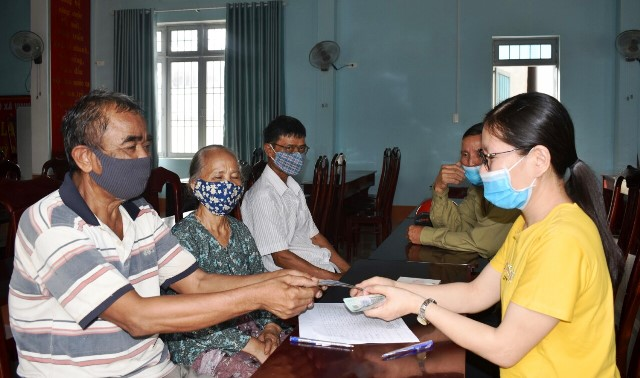 Những Đối tượng bảo trợ xã hội nào được hỗ trợ do ảnh hưởng của Đại dịch Covid ở Việt Nam