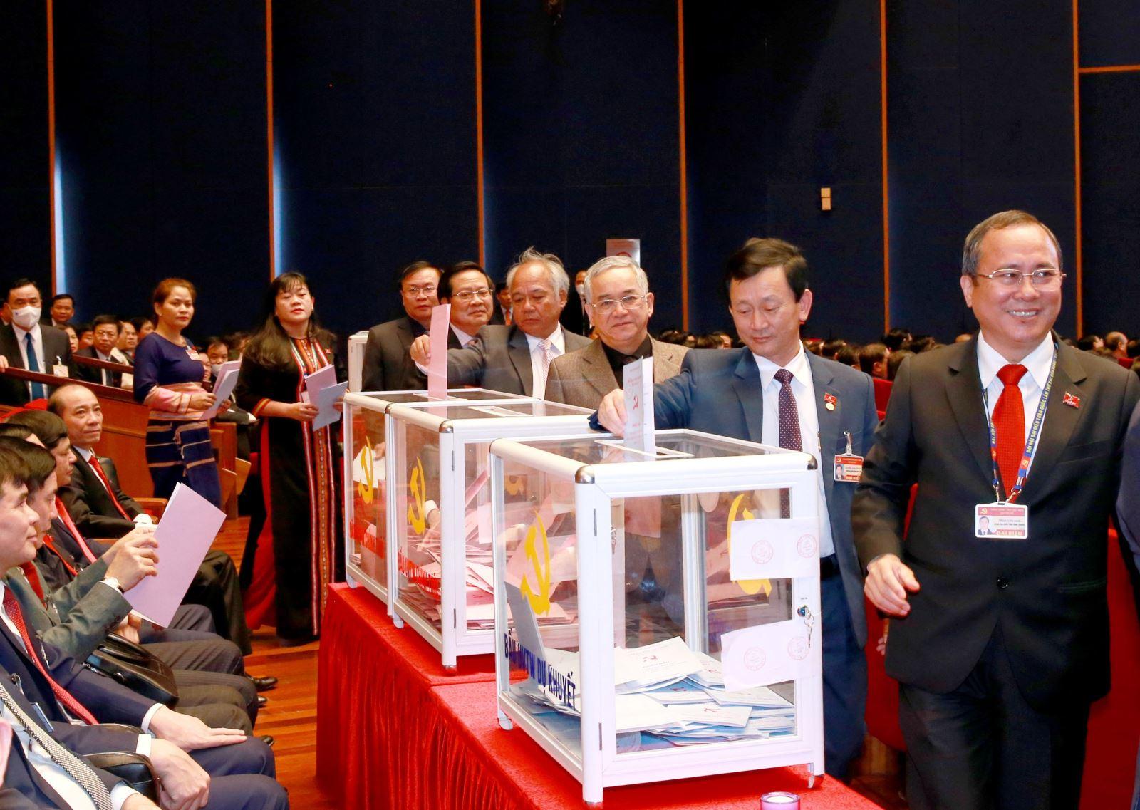 Đại biểu Đảng bộ tỉnh Kon Tum trách nhiệm đóng góp vào thành công Đại hội